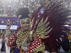 Dani Sperle lamenta excesso de roupa no carnaval do Rio