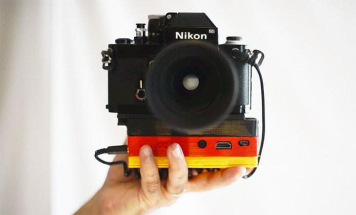 Case Im Back transforma câmeras analógicas em digitais (Foto: Divulgação/Kickstarter)