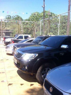Carros apreendidos pela Polícia Federal (Foto: Polícia Federal/ Divulgação )