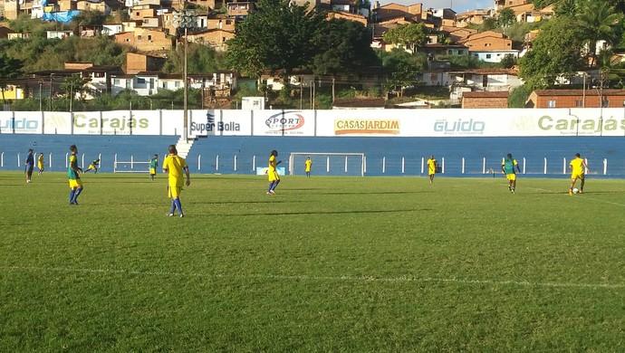 Nicácio marcou o único gol do coletivo (Foto: Augusto Oliveira / GloboEsporte.com)
