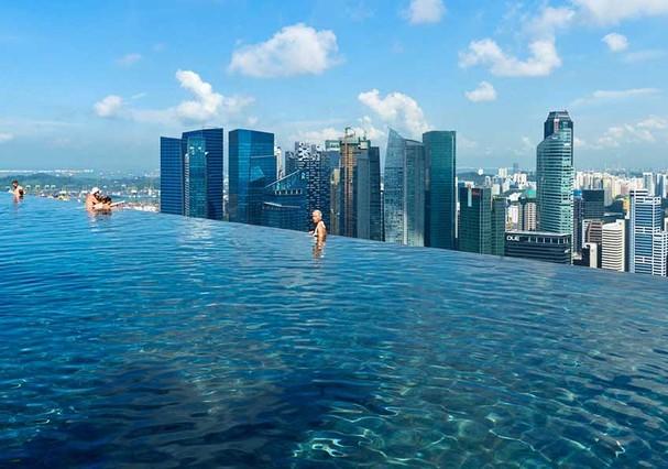 Piscina do hotel Marina Bay, em Singapura (Foto: Divulgação)