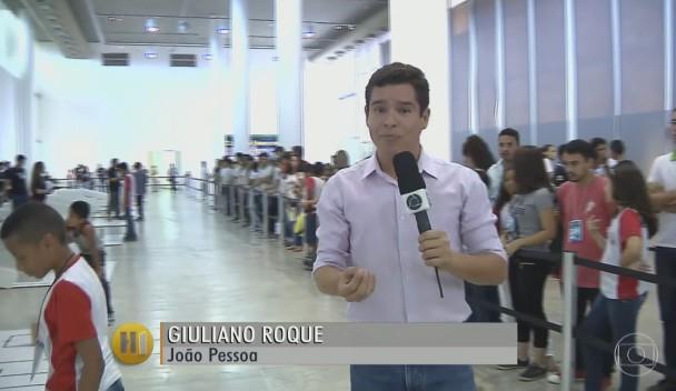 Repórter Giuliano Roque conversou com os participantes do evento (Foto: Reprodução)