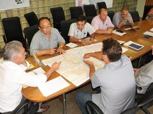 Assinatura projeto criação de corredores de ônibus em Piracicaba (Foto: Imprensa/Piracicaba)