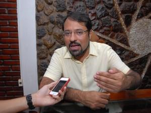 Candidato Camilo Capiberibe, do PSB, fala sobre o 2º turno no Amapá (Foto: Gabriel Penha/G1)
