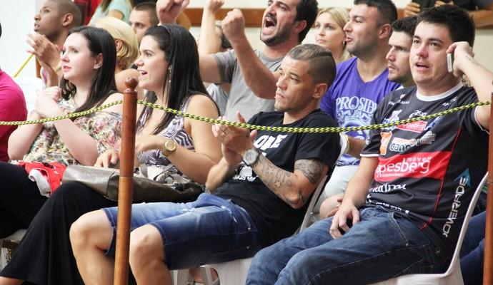 D'Alessandro costuma acompanhar jogos de vôlei (Foto: Fernando Potrick/Kappesberg/Canoas)