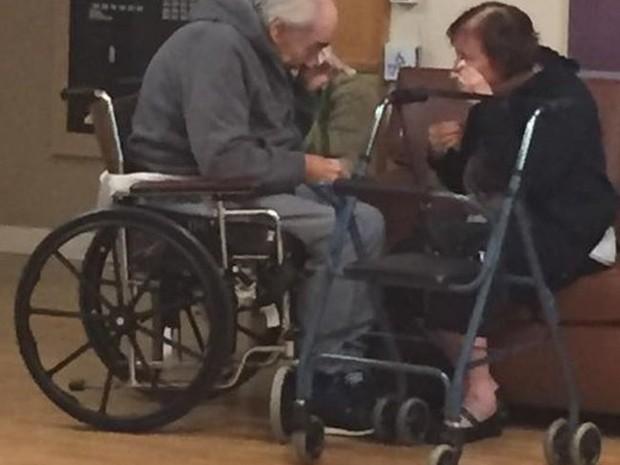 Wolfram está na lista de espera para poder se reencontrar com a esposa (Foto: Reprodução/Facebook)