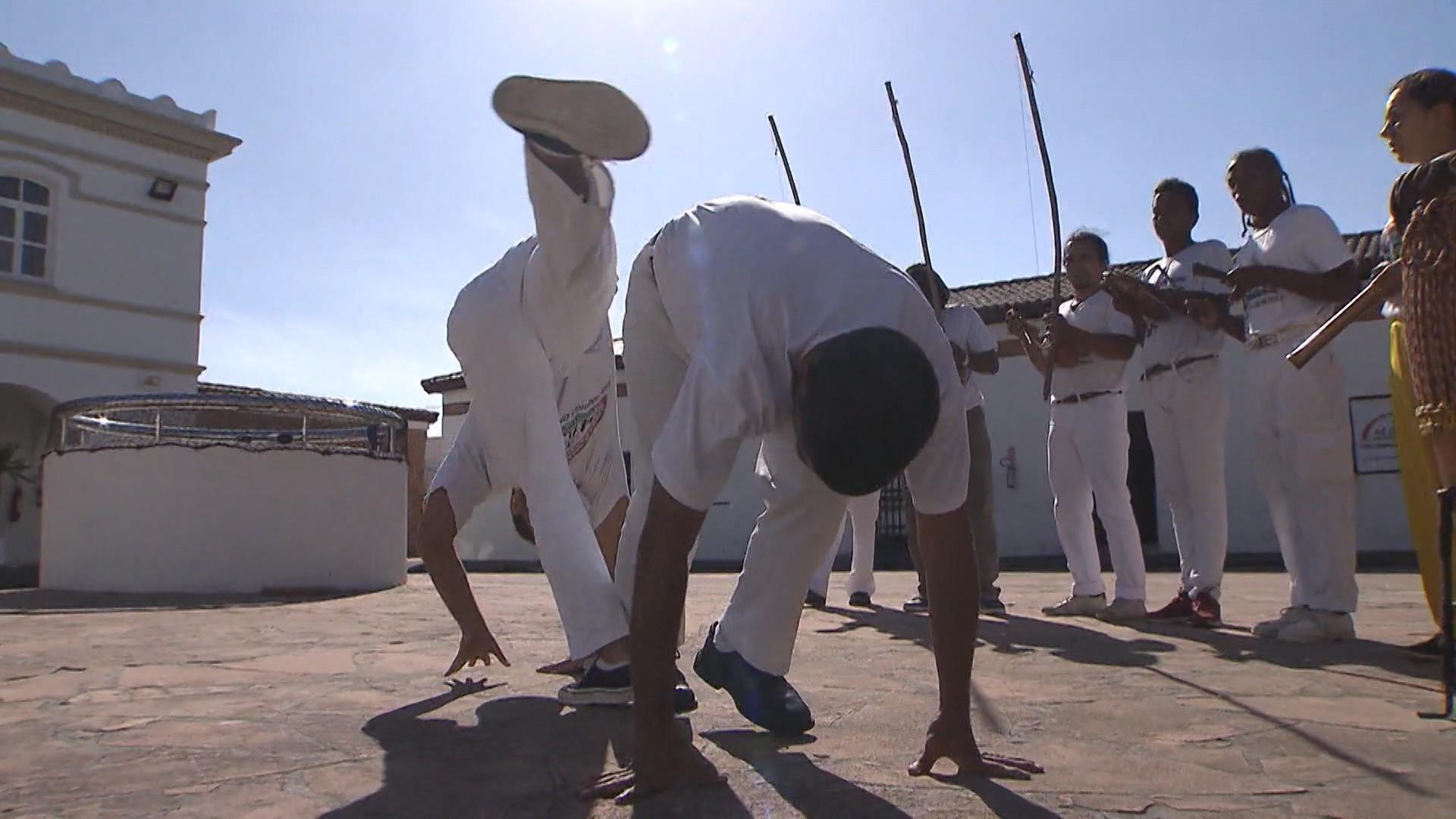 Popularmente reconhecida como uma dança, a capoeira também pode ser considerada uma luta (Foto: Globo)
