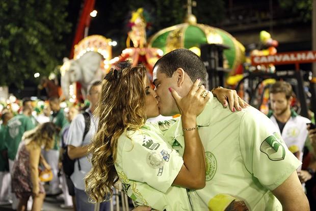 Renata Santos e o marido (Foto: Marcos Serra Lima / EGO)