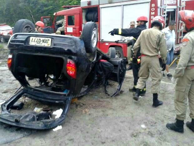 Acidente aconteceu neste domingo (9) (Foto: Divulgação/Corpo de Bombeiros)