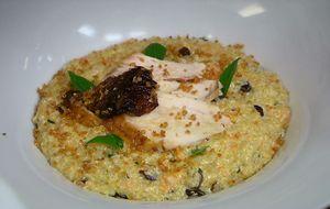 Risoto de quinoa com cenoura e limão confit, servido com frango assado