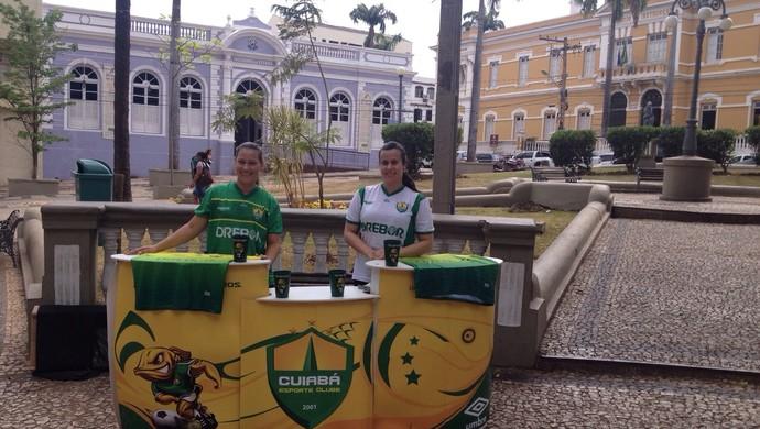 Cuiabá inova e monta ponto de venda de ingressos no meio de uma praça (Foto: Divulgação/Cuiabá)