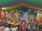Procissão dos Santos Juninos tem bacamarteiros e forrovioca no Recife