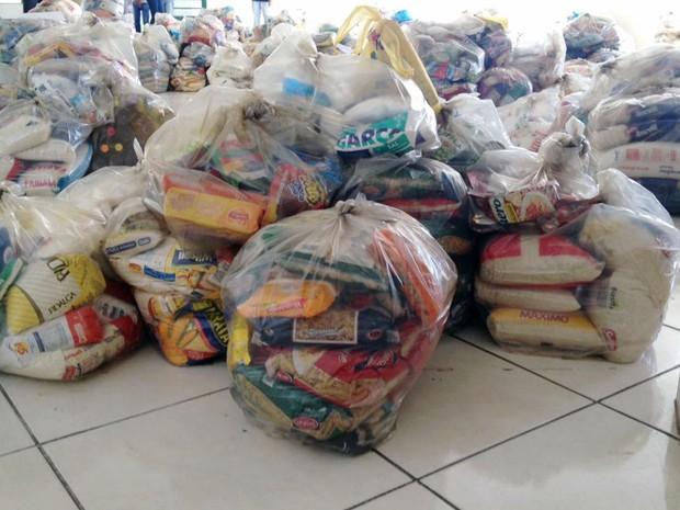 Cada entidade vai receber 311 quilos de alimentos (Foto: Heloise Hamada/G1)