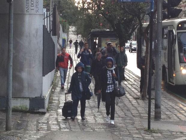 Frio intenso surpreendeu curitibanos na manhã desta quarta-feira (Foto: Bruno Fávaro / RPC)