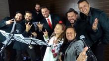Gatinha Rafa Gomes canta com a galera da Big Time Orchestra (Divulgação/RPC)
