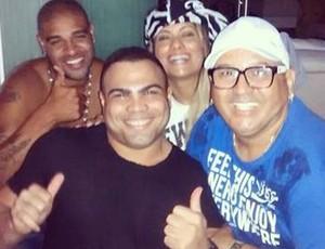 Despedida Adriano com amigos (Foto: Reprodução/ Instagram)