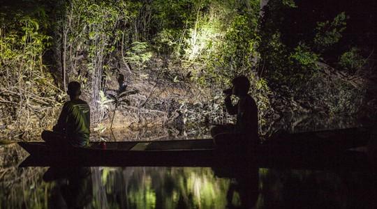 Moradores locais, e seus conhecimentos, são fundamentais nas pesquisas sobre como proteger a região de Mamirauá (Foto: Sônia Vill)