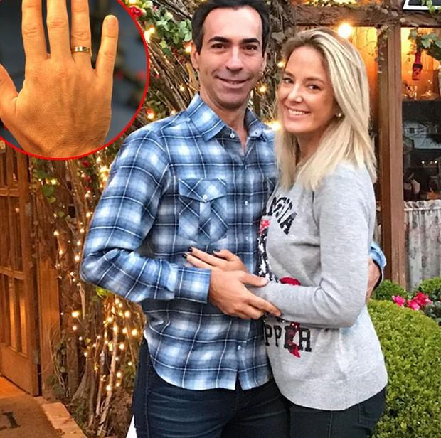 César Tralli exibe aliança de noivado com Ticiane Pinheiro (Foto: Reprodução)