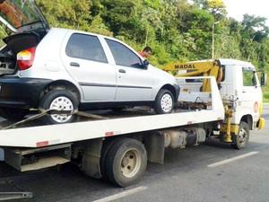 Carro Juiz de Fora troca de motorista (Foto: Polícia Rodoviária Federal/Divulgação)