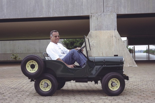 Produção não passou de dois protótipos, hoje preservados por Sebastião William Cardoso, filho do criativo projetista (Foto: Jason Vogel/Jornal O Globo)