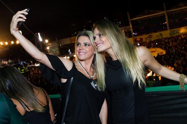 Mari Alexandre e Natalia Casassola (Foto  Raphael Mesquita Foto Rio News) 32778749cc7