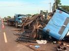 Colisão entre dois caminhões e moto deixa três feridos em Sertãozinho, SP