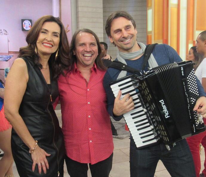 Fátima com o cantor Dorgival Dantas e o ator Murilo Rosa (Foto: Juliana Hippert/Gshow)