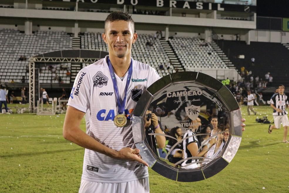 Cleiton entrou na seleção do Campeonato Potiguar como melhor zagueiro (Foto: Andrei Torres/ABC)