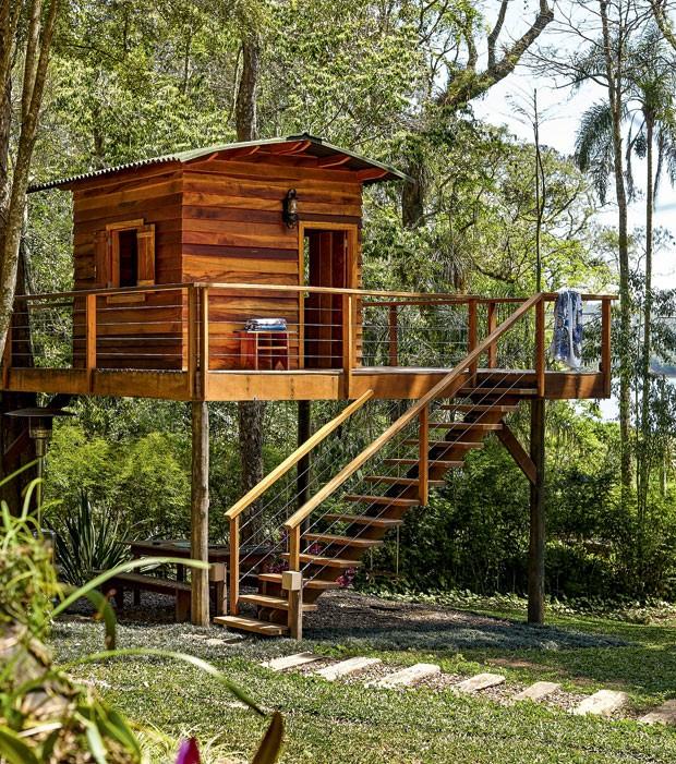 casa-na-arvore-madeira-designer-de-interiores-norah-carneiro-varanda-cedrinho-deque (Foto: Victor Affaro/Editora Globo)