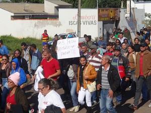 Grupo realizou a passeta pelas ruas de Pres. Epitácio (Foto: Osvaldo Bento/Debate Notícias)