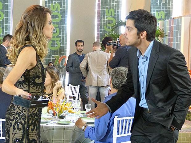 Claro que rola DR depois de todo o bafo, né glr? KKKKKK (Foto: Malhação / Tv Globo)