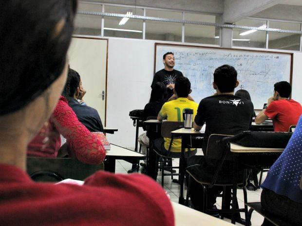 Aulas são gratuitas na Ufam (Foto: Jamile Alves/G1 AM)
