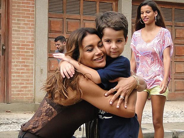 Lucimar se despede do neto sem nem imaginar os planos do pequeno (Foto: Salve Jorge/TV Globo)