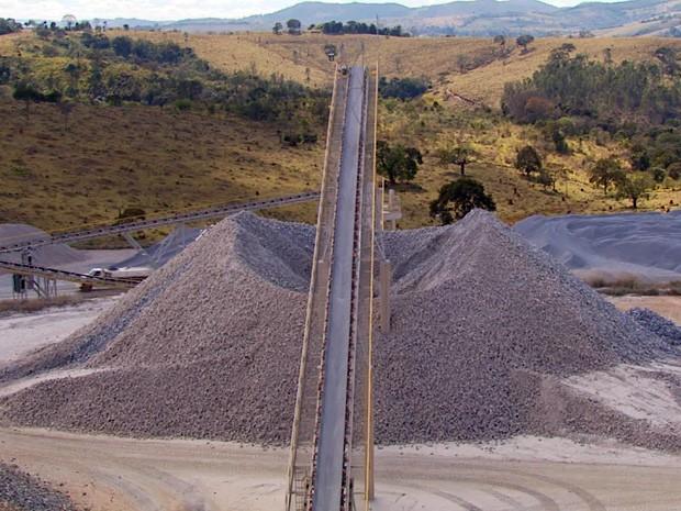Fábrica de cal deve gerar 370 empregos em Campo Belo (Foto: Reprodução EPTV / Devanir Gino)