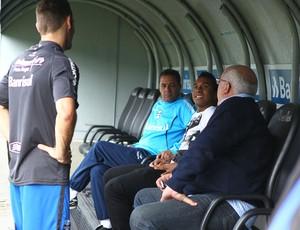 Anderson visita o Grêmio e o Olímpico (Foto: Lucas Uebel/Divulgação, Grêmio)