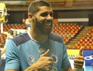 Wallace, aposto do Cruzeiro, barba (Foto: Rafael Araújo)