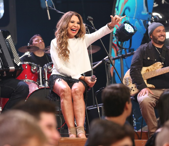 Elba Ramalho participa da gravação do Altas Horas (Foto: Carol Caminha/Gshow)