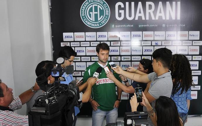 Douglas Packer meia Guarani (Foto: Rodrigo Villalba / Memory Press)
