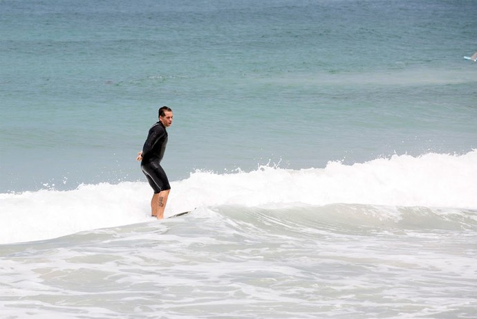 Leandro Hassum mandando ver no surfe (Foto: Ellen Soares/Gshow)