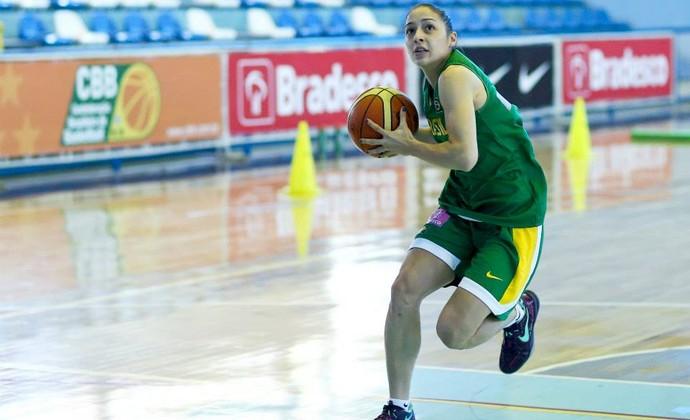 Débora Costa armadora seleção feminina de basquete (Foto: Wagner Carmo/Inovafoto)