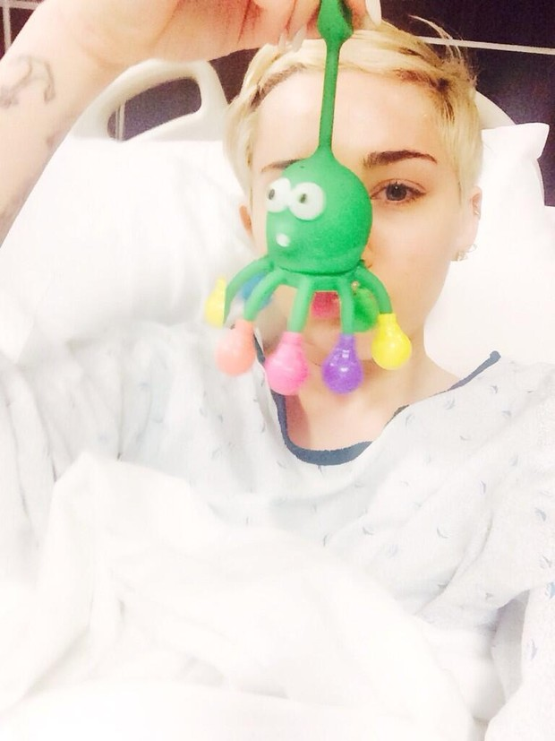 Miley Cyrus (Foto: Twitter/Reprodução)