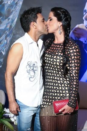 Zezé Di Camargo com a namorada, Graciele Lacerda, em show em São Paulo (Foto: Manuela Scarpa/ Brazil News)