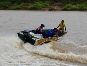 Corrida de Bajolas no Rio Juruá, em Cruzeiro do Sul (Foto: Genival Moura/G1)