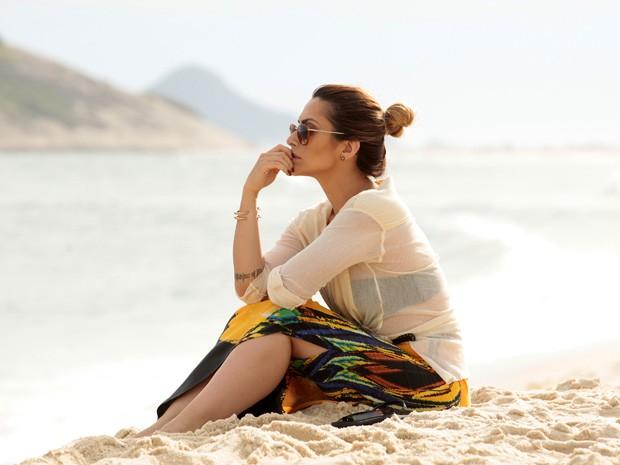 Cleo Pires grava cenas de Bianca na praia (Foto: Salve Jorge/TV Glbo)