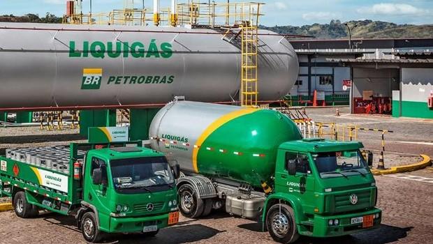 Resultado de imagem para Petrobras vende Liquigás para Ultragaz por R$2,8 bi