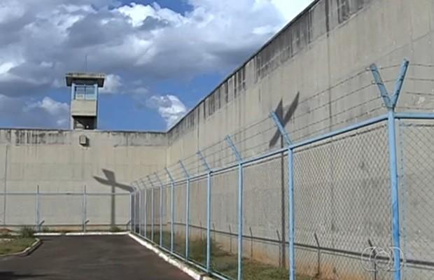 Detento foi morto dentro de complexo penitenciário em Aparecida de Goiânia (Foto: Reprodução/TV Anhanguera)