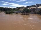 Após chuvas, rio começa a baixar em São Luiz do Paraitinga, SP