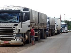 Motoristas tamb[em reclamaram das condições das estradas (Foto: Ederson Abi/Portal Peperi/Divulgação)