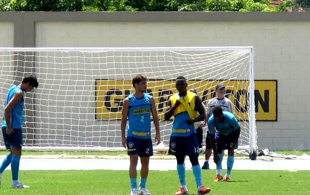 fellype gabriel e sassá botafogo treino (Foto: Thales Soares / Globoesporte.com)