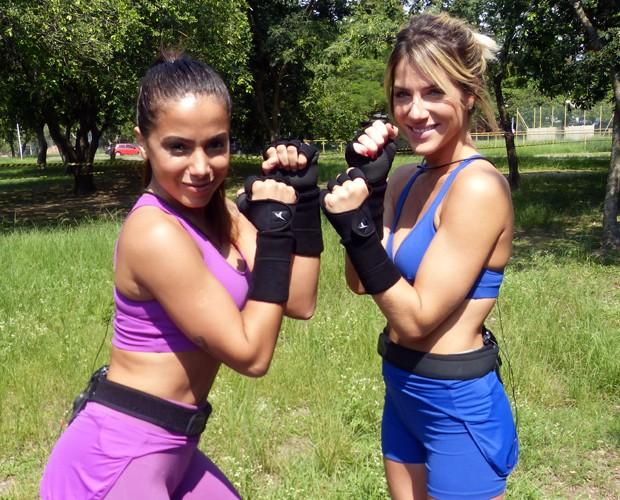 Anitta e Giovanna Ewbank prontas para um 'combate' (Foto: TV Globo)